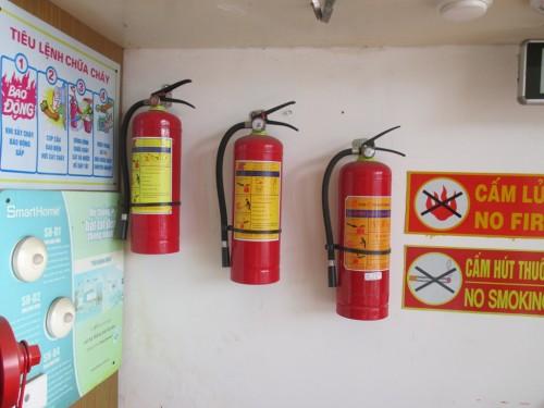 Các thiết bị được treo ở nơi dễ sử dụng